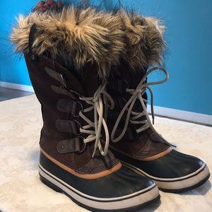 Shoes - Sorel Snow boots